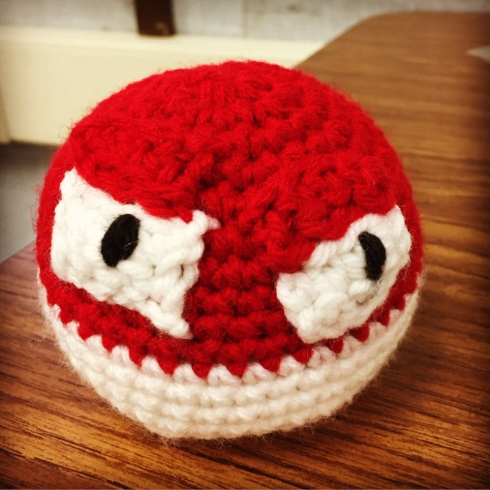 Crochet Pokemon Voltorb.JPG